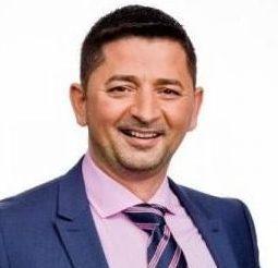 Tony J Selimi